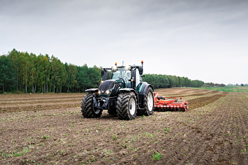 valtra-t-series-tractor-field-800-800